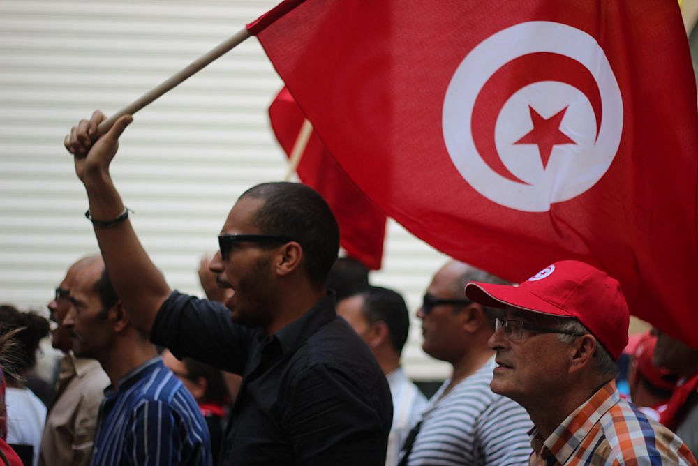 Anti-government protesters in downtown Tunis mark two years since the Tunisian Revolution, October 23, 2013, Tunisia. (Amine Ghrabi/CC BY-NC 2.0)