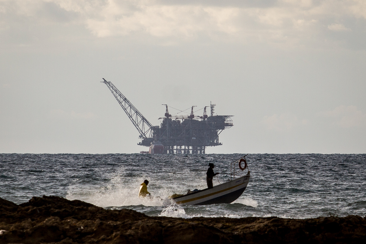 The Israeli Leviathan gas field as seen from Dor Habonim Beach Nature Reserve in Israel, January 1, 2020. (Flash90)