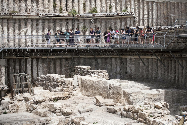 Tourists seen visiting the City of David archaeological site near Jerusalem's Old City, April 7, 2013. (Uri Lenz/Flash90)