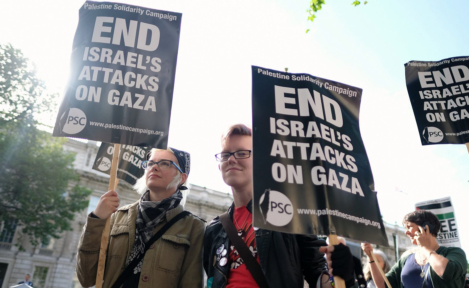 Rally by the Palestine Solidarity Campaign outside Downing Street to protest the blockade of Gaza and demanding an end to direct British support for Israel's oppression of Palestinians, July 8, 2016. (Alisdare Hickson/Flickr)