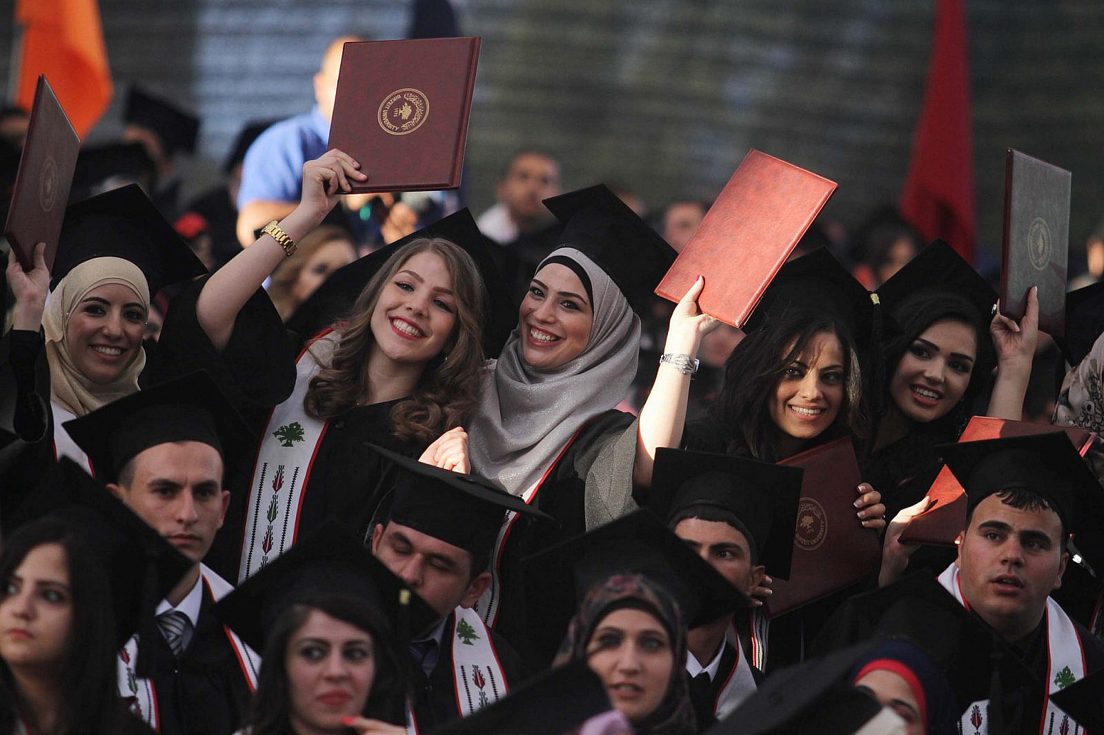 Palestinian students attend their graduation ceremony at the Birzeit University near the West Bank city of Ramallah, June 16, 2013. (Issam Rimawi/Flash90)