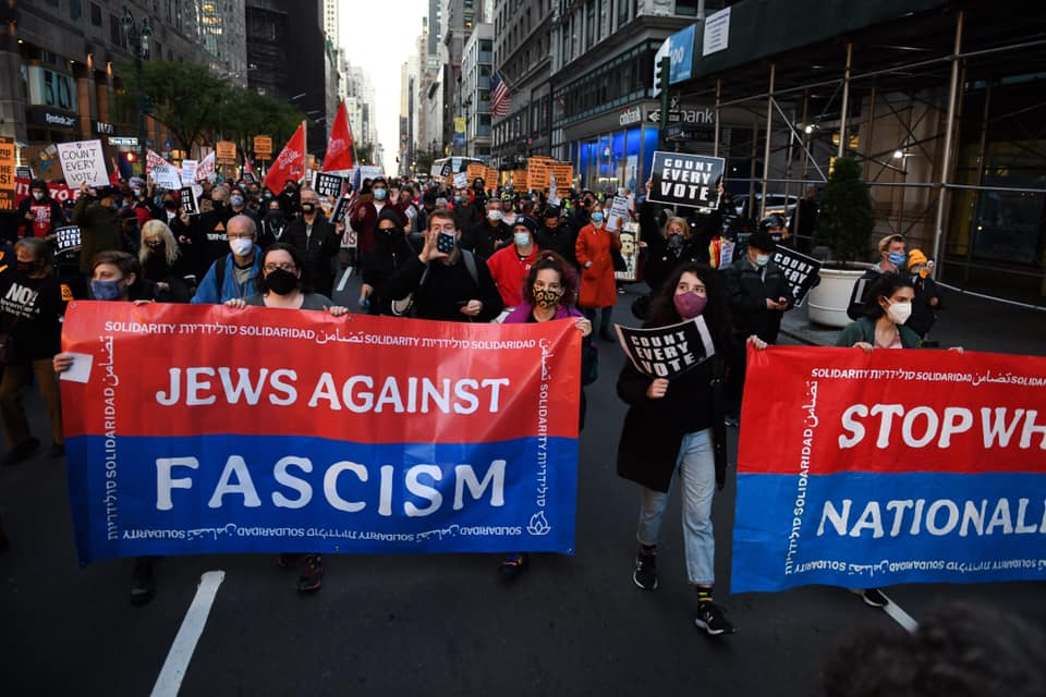Left-wing American Jews march in New York City during the Count Every Vote protest, November 4, 2020. (Gili Getz)