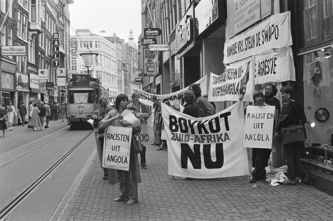 Demonstration in Amsterdam, urging Dutch boycott of South Africa due to the South African Army's continued operations against Angola's government. (Hans Van Dijk/CC BY-SA 3.0 NL)