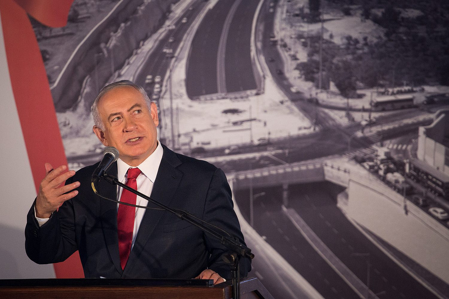 Prime Minister Benjamin Netanyahu speaks during a ceremony opening the new part of the Begin road, the Rosmerine Interchange, connecting Begin to Route 60, in Jerusalem, Sept. 7, 2017. (Hadas Parush/Flash90)