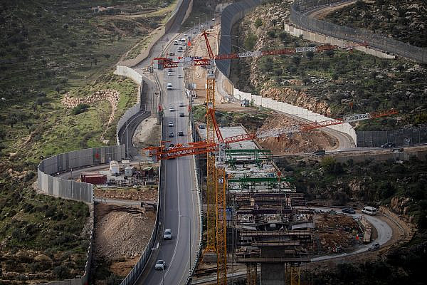 A general view of the construction work on the Tunnel Road, as seen from the Gilo settlement, December 15, 2020. (Yonatan Sindel/Flash90)