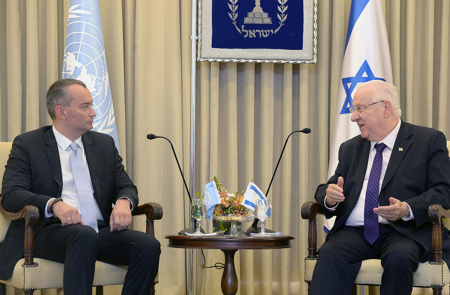 Israeli President Reuven Rivlin meets with the UN Special Coordinator for the Middle East Peace Process Nickolay Mladenov at the President's House in Jerusalem, June 3, 2015. (Mark Neyman/GPO)