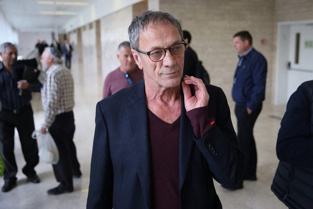 Palestinian actor and filmmaker Mohammad Bakri seen at the Lod District Court on December 21, 2017. (Flash90)