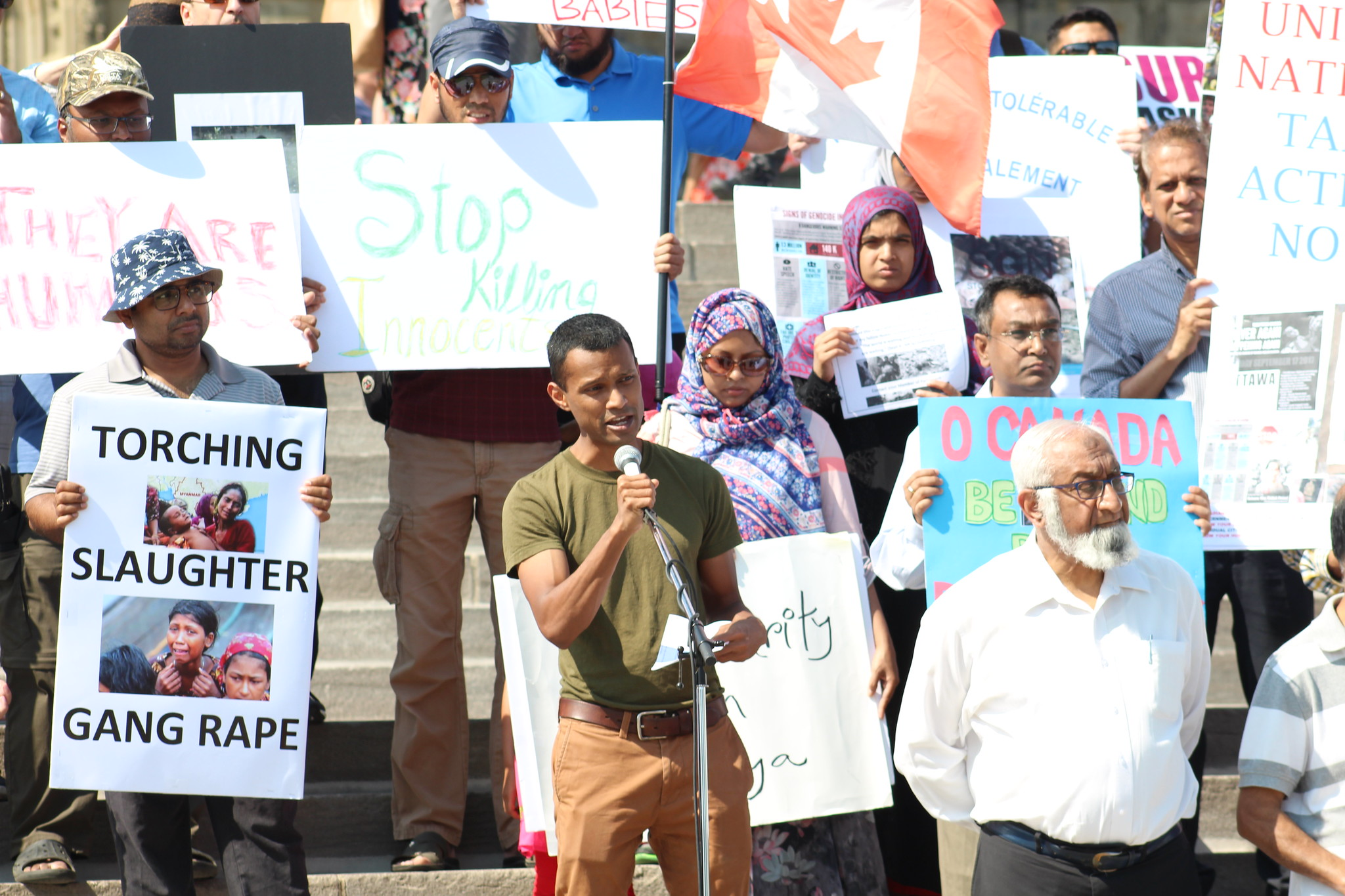 Hundreds of protesters gather outside Parliament Hill in Ottawa, Canada to protest the ethnic cleansing of the Rohingya by the Myanmar government, August 25, 2018. (CC BY-NC 2.0/Mike Gifford)