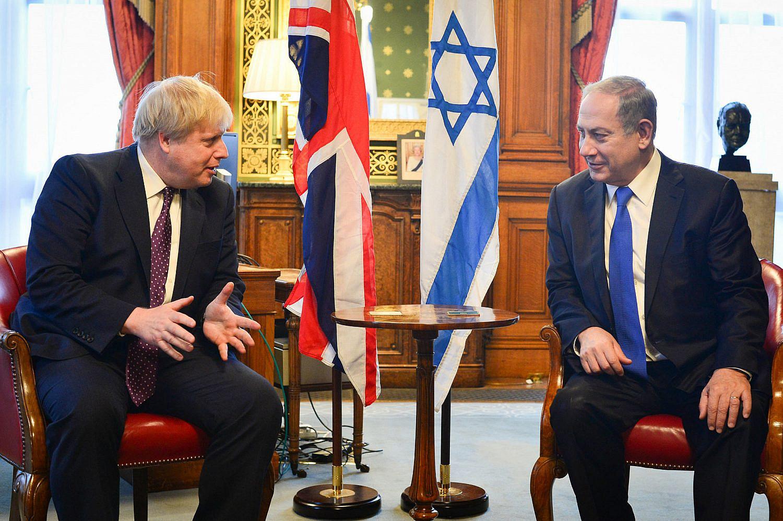 Israeli Prime Minister Benjamin Netanyahu meets with then-British Foreign Secretary Boris Johnson in London, UK, during an official state visit. Feb. 6, 2017. (Kobi Gideon/GPO)