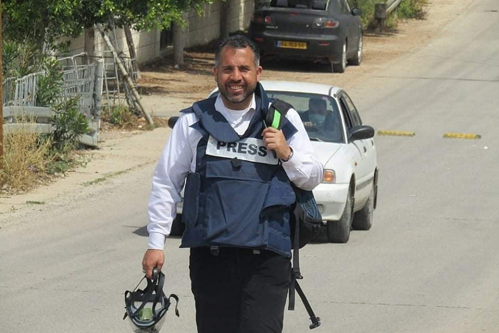Israeli soldiers arrested Palestinian journalist Alaa al-Rimawi overnight on April 21, 2021 from his home in Al-Bireh. (Photo from Alaa al-Rimawi's Facebook profile)