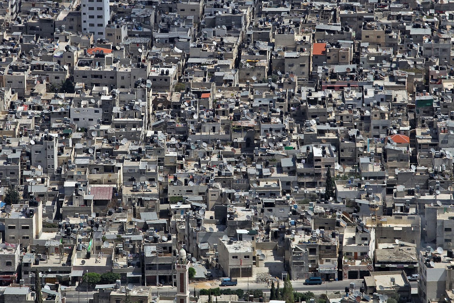 A view of the crowded Balata refugee camp in Nablus. Balata is the largest refugee camp in the West Bank, housing nearly 30,000 people. Sept. 23, 2009. (Nati Shohat/Flash90)