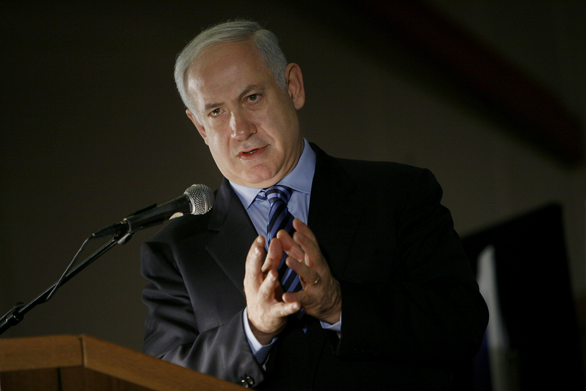 Israeli Prime Minister Benjamin Netanyahu speaks at a conference organized by the Jewish Agency at the Inbal Hotel in Jerusalem, October 25, 2009. (Miriam Alster/Flash90)