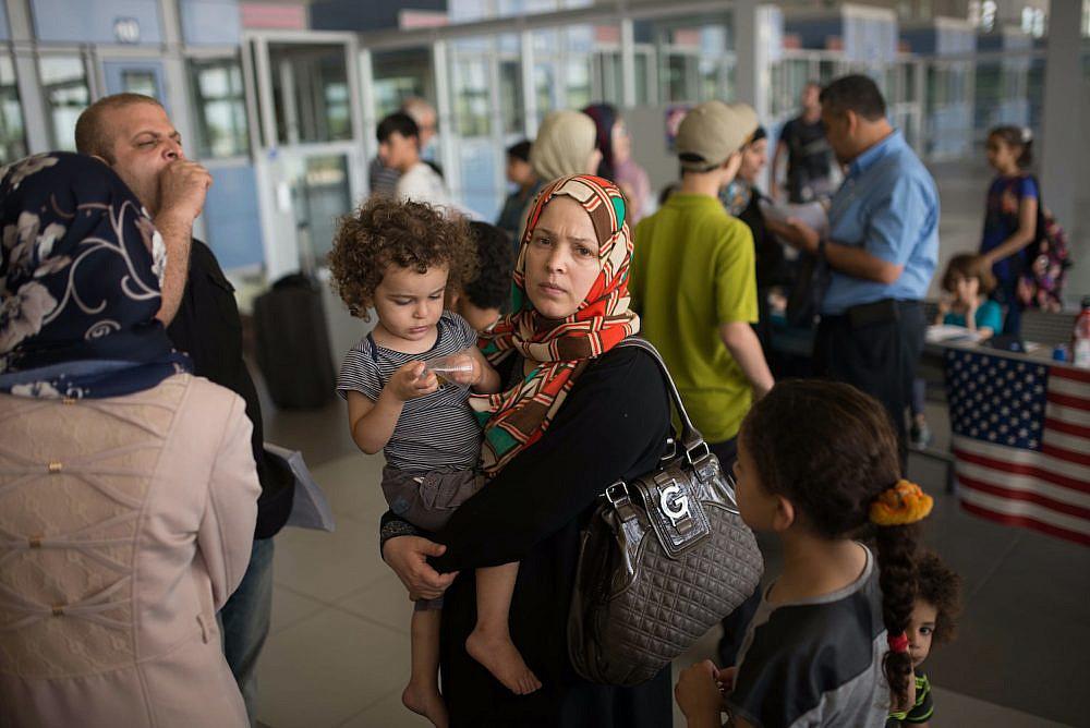 'Open Gaza immediately,' says manager of Israel-Gaza crossing