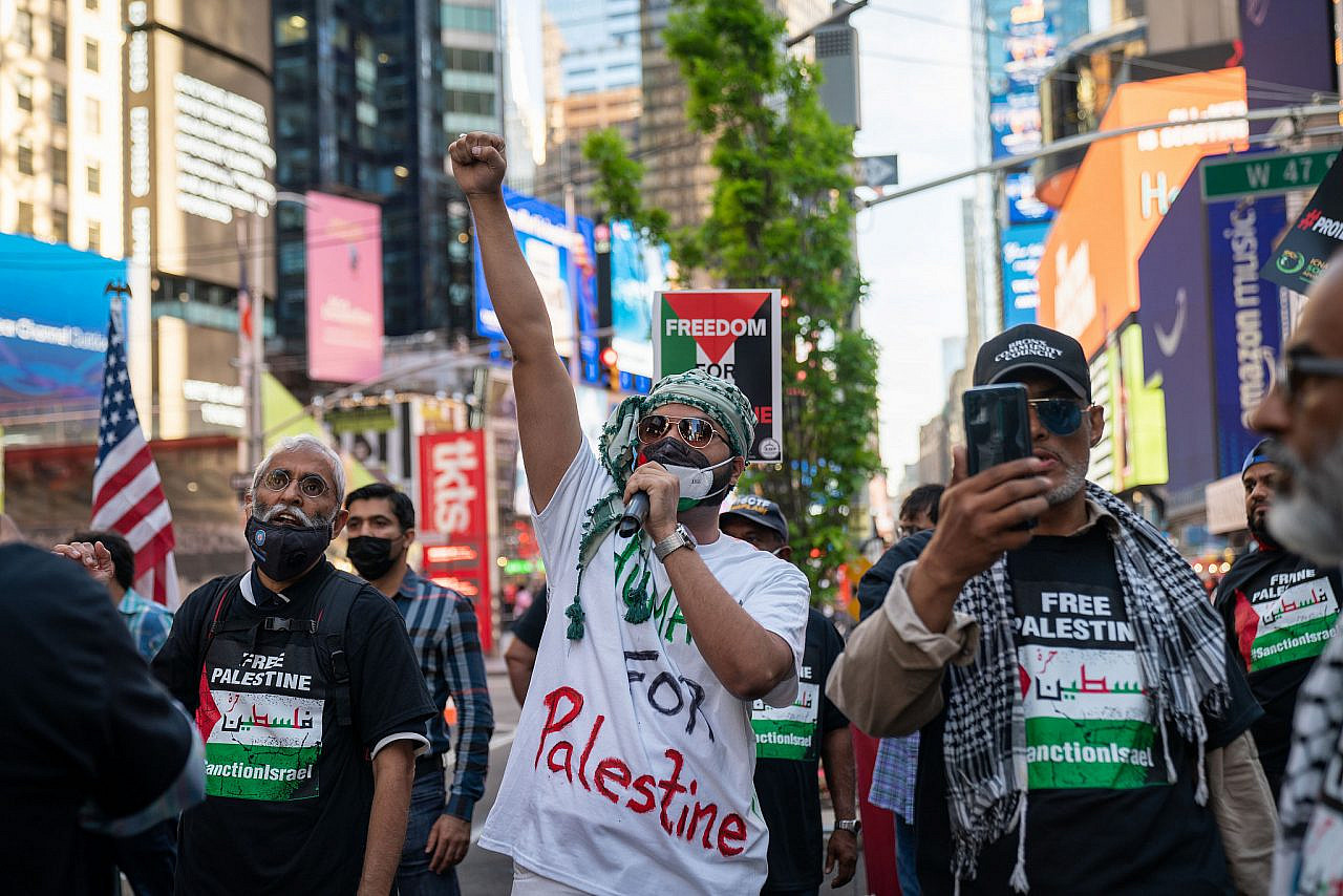 Protesters rally for Palestinian rights in Times Square, New York City, on May 27, 2021. (Luke Tress/Flash90)