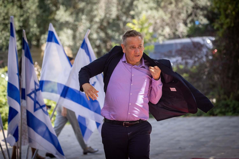 Minister of Health Nitzan Horowitz arrives to the President's Residence in Jerusalem, June 14, 2021. (Yonatan Sindel/Flash90)